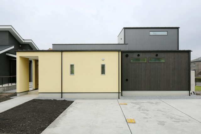 「+タイル」の魅力の家
